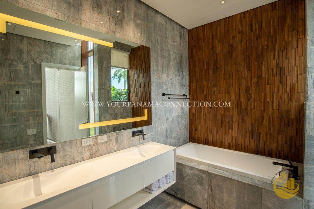 Bathroom-garden-apartments-ocean-reef-private-island-panama-3-1000x667