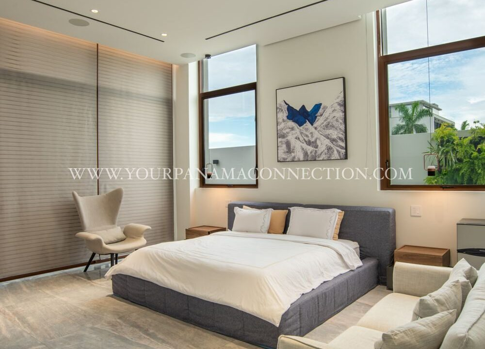 Bedroom-garden-apartments-ocean-reef-private-island-panama-2-1000x1498