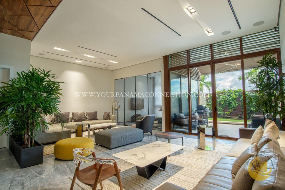Living-room-Garden-Apartments-Ocean-Reef-Panama-2-1000x667