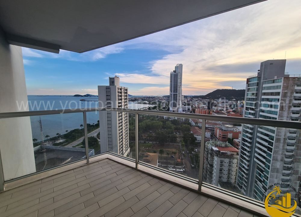 apartment-yacht-club-panama-city-panama-balcony-1000x750