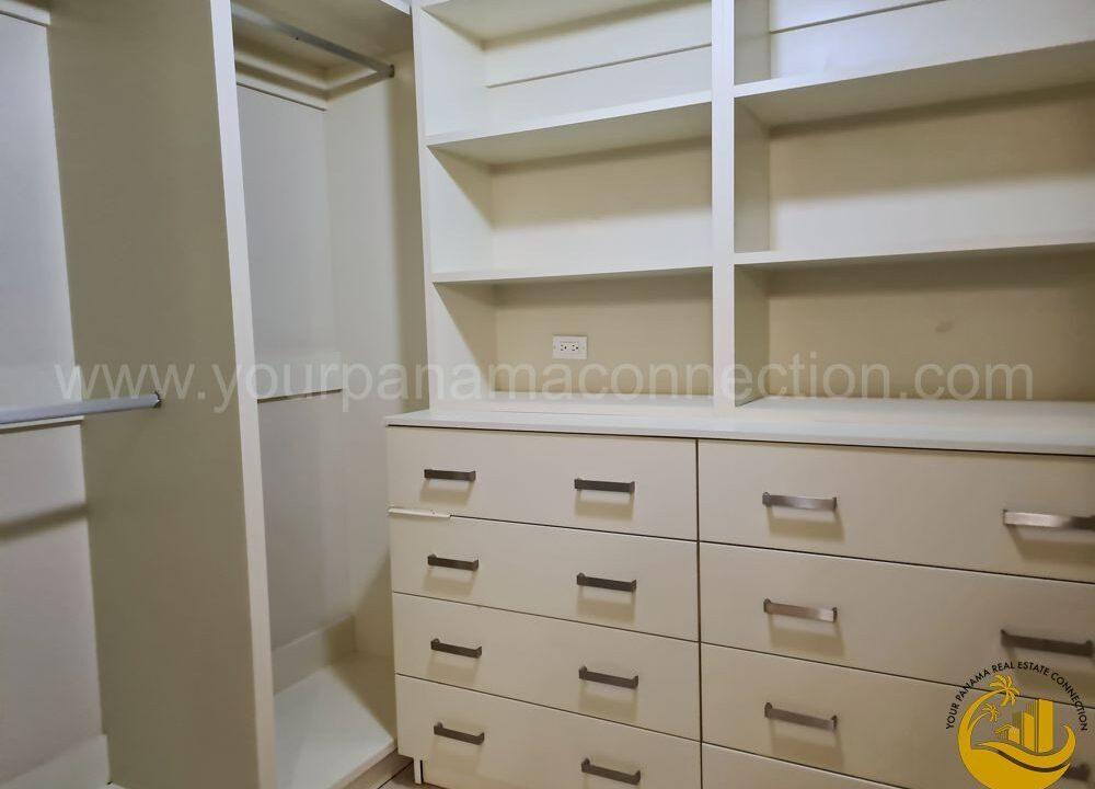 closet-apartment-villa-del-mar-panama-city-panama-1000x750