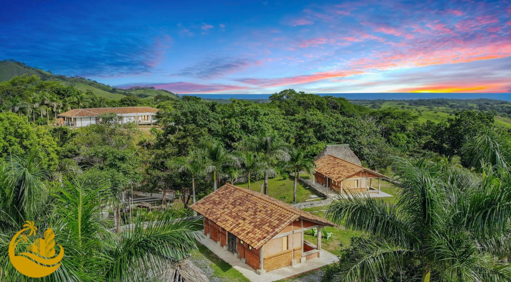 Residence with pool and 5 cabins in Cañas, Azuero Peninsula, Panama