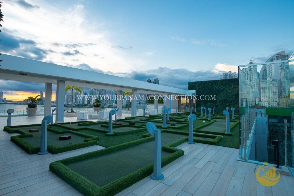 mini-golf-roof-top-terrace-ocean-reef-private-island-1000x667